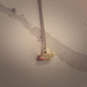 Jewelry - Tennessee necklace